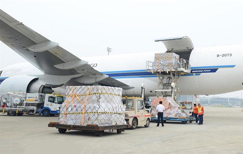 Nên lựa chọn đơn vị có thời gian vận chuyển hàng hóa đúng lịch trình