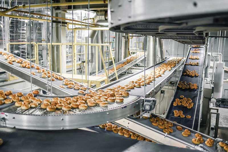 Thương lượng với nhà sản xuất để có mức giá và yêu cầu số lượng phù hợp